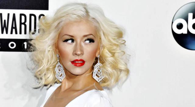 Christina Aguilera firma con la Universal Music e lascia la RCA Records
