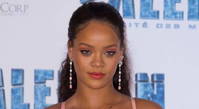 Rihanna super sexy su Instagram: ecco gli scatti che hanno fatto impazzire il web