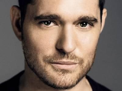 Michael Bublé a cuore aperto: dall'amore per la musica alla malattia del figlio