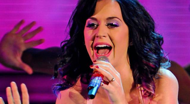 Katy Perry festeggia il Natale: ecco Cozy Little Christmas