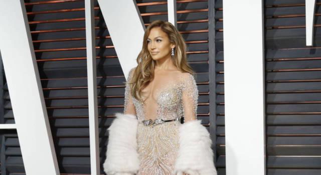 Jennifer Lopez, selfie senza trucco: lo scatto conquista i fan