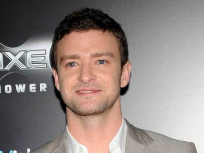 Justin Timberlake ancora alle prese con problemi alle corde vocali