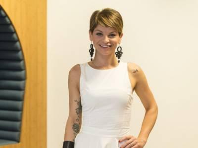"""Emma debutta a X Factor, la dedica di Alessandra Amoroso: """"Fai splendere i tuoi colori"""""""