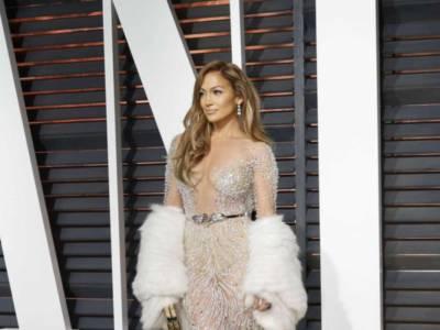Jennifer Lopez esagerata: ecco le immagini che hanno fatto impazzire i fan!