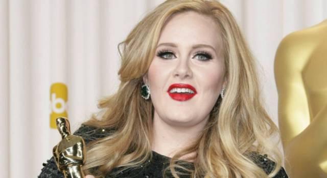 Adele si è fidanzata? La cantante toglie ogni dubbio ai fan
