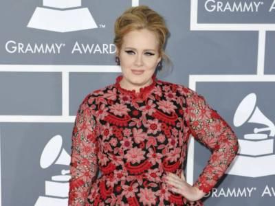 """Bufera su Adele per la sua ultima foto: """"Questa è appropriazione culturale"""""""
