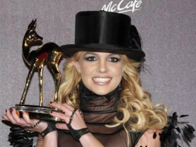 Britney Spears duetta con i Backstreet Boys: ecco il nuovo singolo Matches