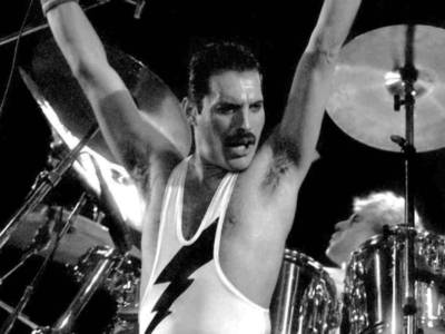 Freddie Mercury: online il nuovo video per Love Kills