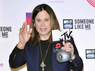Pericolo per Ozzy Osbourne: la moglie Sharon è positiva al Covid