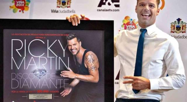 Ricky Martin mostra per la prima volta su Instagram il suo quarto figlio: ecco le foto
