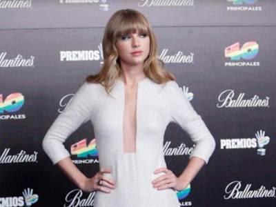 """Taylor Swift: """"Abbattiamo le statue in onore di persone razziste"""""""