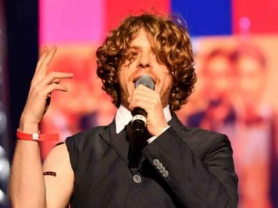Chi è Lodo Guenzi, il cantante de Lo Stato Sociale