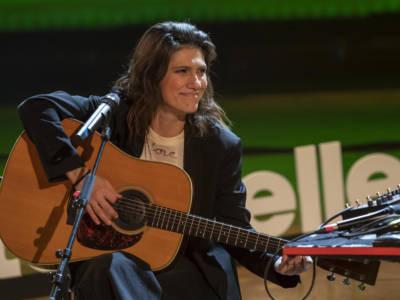 Elisa canta per i bambini della Siria nel Colosseo vuoto