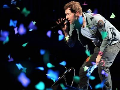 Chris Martin dei Coldplay, concerto live su Instagram per #TogetherAtHome