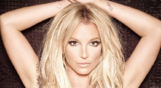 """Britney Spears attacca gli hater sui social: """"Sono momenti difficili, bisogna essere gentili"""""""