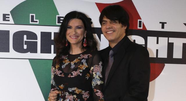 Laura Pausini candidata all'Oscar: il video della sua reazione con il compagno e la figlia
