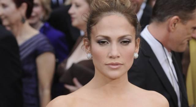 """Jennifer Lopez senza trucco risponde alle critiche: """"Non mi sono rifatta"""""""