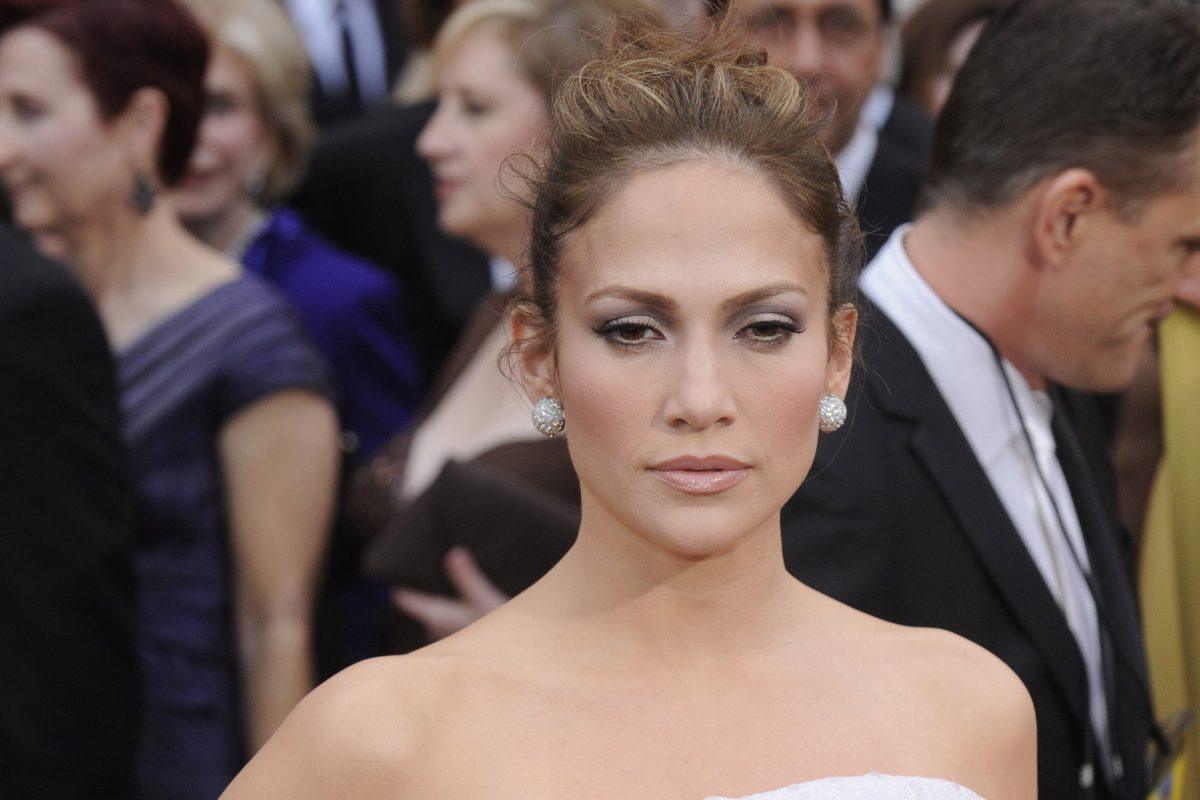 Jennifer Lopez è stata punzecchiata dal botox? Lei risponde così