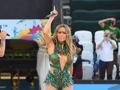 Jennifer Lopez e Maluma insieme nelle hit Pa Ti e Lonely: ecco i video ufficiali