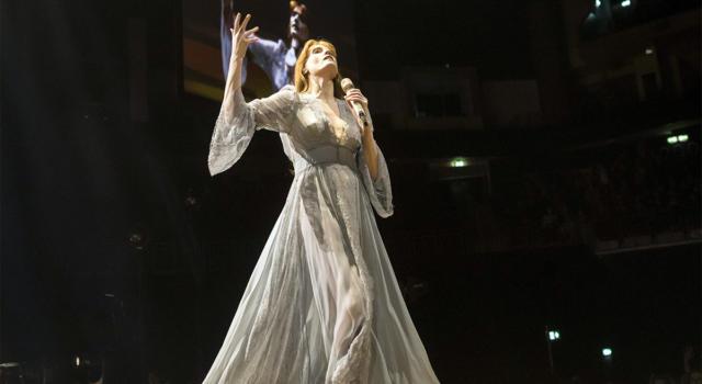 Florence and the Machine: ecco Light of Love, un brano per chi lotta contro il Coronavirus