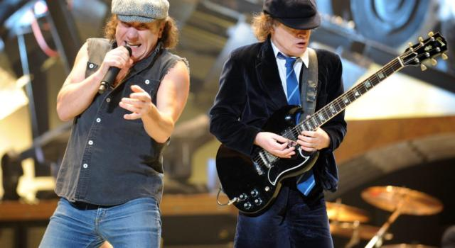 Angus Young, lo 'scolaretto' del rock