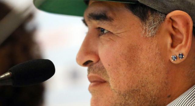 Addio Diego Armando Maradona: le canzoni che raccontano il dio del calcio