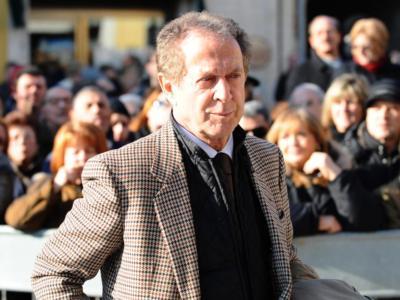 Chi è Memo Remigi, storico cantante di Innamorati a Milano